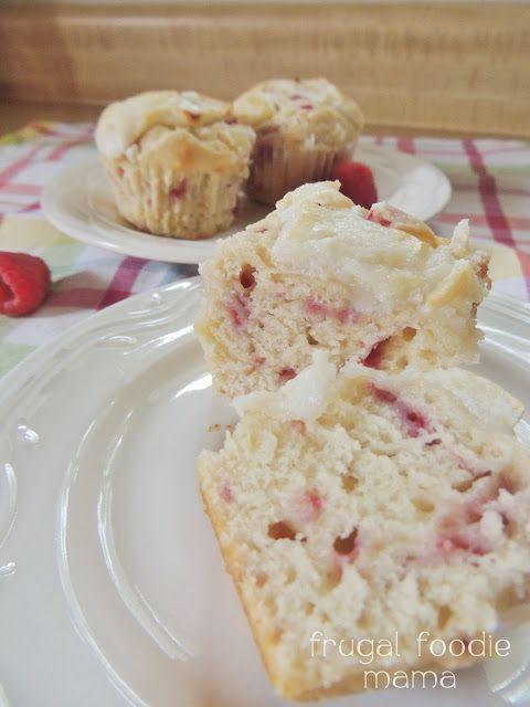 Raspberry Key Lime Cream Cheese Muffins- Sweet raspberries & tart key ...