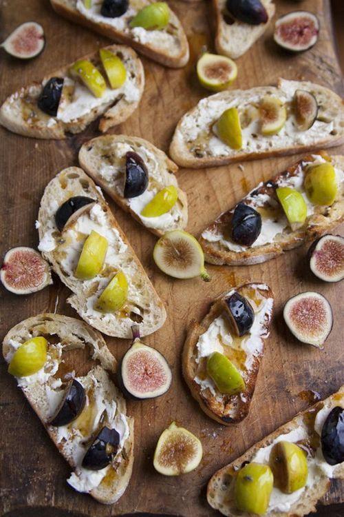 fig amp mascarpone gorgonzola crostini amp lavender honey muy bueno ...