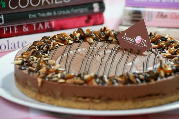 Chocolate Caramel Nut Cheesecake   Sweet Me Cheesecake   Pinterest