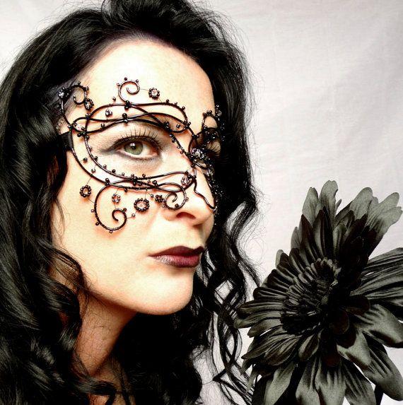 Gothic vine masquerade mask black handmade by gringrimaceandsqueak