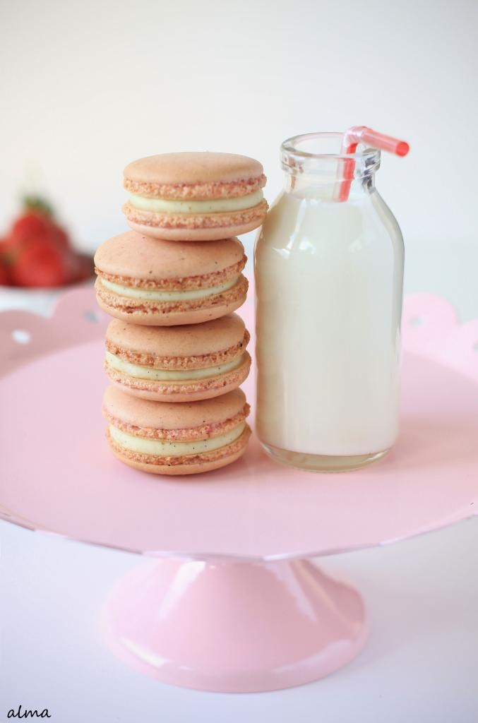 Powdered Strawberry with Vanilla Bean White Chocolate Macarons