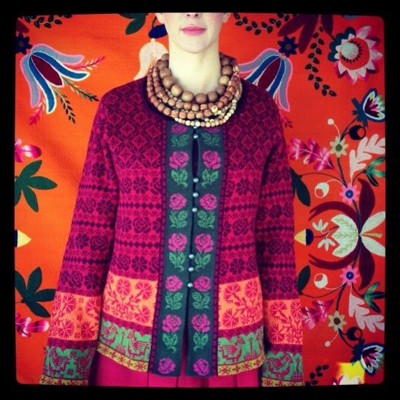 Colourful cardigan from Gudrun - inspiration Muhu.