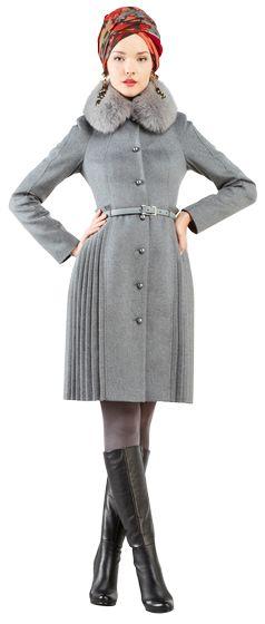 Зимнее пальто приталенного силуэта с