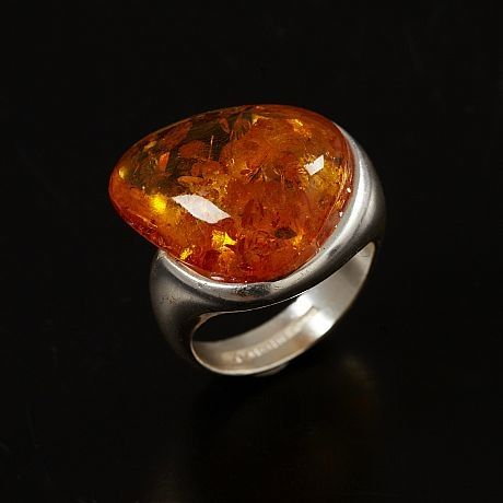Lapponia Jewelry, sterling silver ring with amber, 1996. | Stockholms Auktionsverk