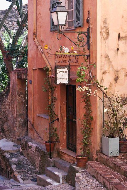 """Menton, little street in old town, """"santonier""""."""