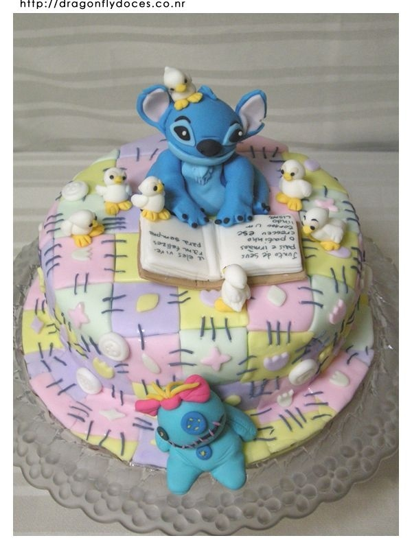 STITCH CAKE: Lilo & Stitch is probably my favorite Disney movie of all time. I relate so much to both Lilo and Stitch.