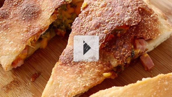 broccoli ham calzone | buongustaio | Pinterest