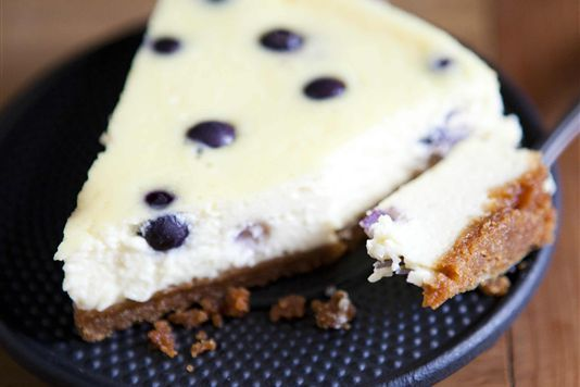 Baked blueberry cheesecake recipe | Eats & Drink | Pinterest