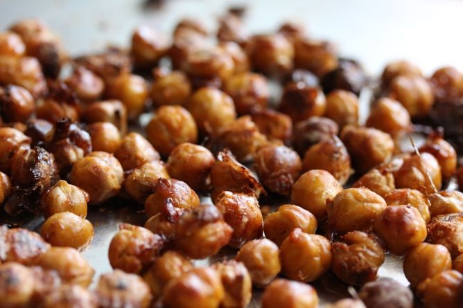 Crispy Roasted Chickpeas recipe (cinnamon and a spicy recipe) MLIK