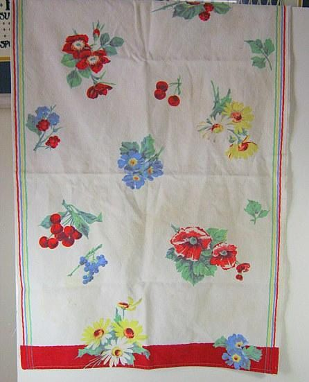 Vintage KITCHEN TOWEL Flowers Berries Bright Colorful