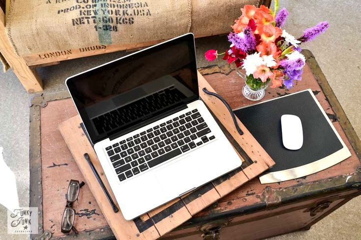Desktop vs Laptop computer - which is right for you?  Donna at FunkyJunkInteriors.net helps compare the pros and cons of a desktop and laptop.