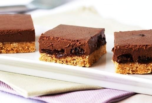 Rum And Raisin Cheesecake Slice | Recipe