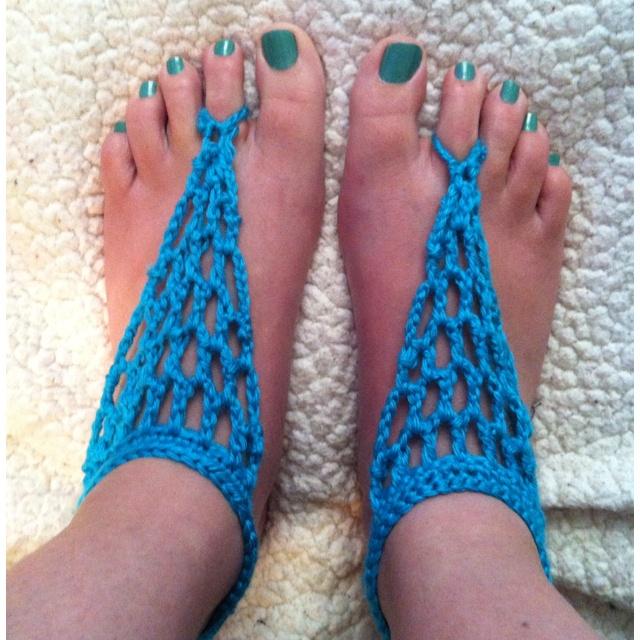 Beach Sandals: Knitted Barefoot Sandals