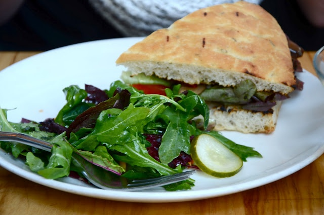 Veggie, goat cheese & pesto sandwich | deliciousness to try | Pintere ...