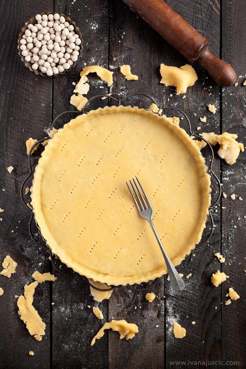 Pâte sucrée (sweet shortcrust pastry)   Photographer: Ivana Jurcic ...
