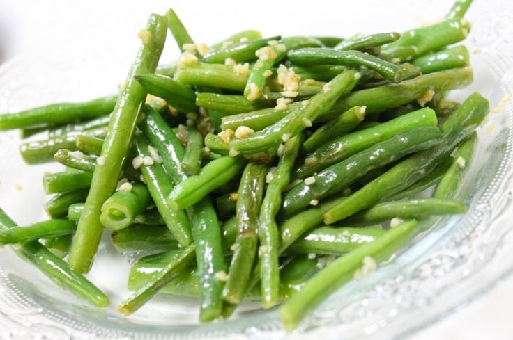 Garlic & Butter Green Beans   Ok. This green beans dish couldn't be a...