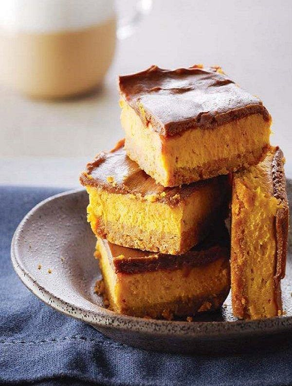 Pumpkin and chocolate cheesecake bars | a u t u m n • r e c i p e s ...