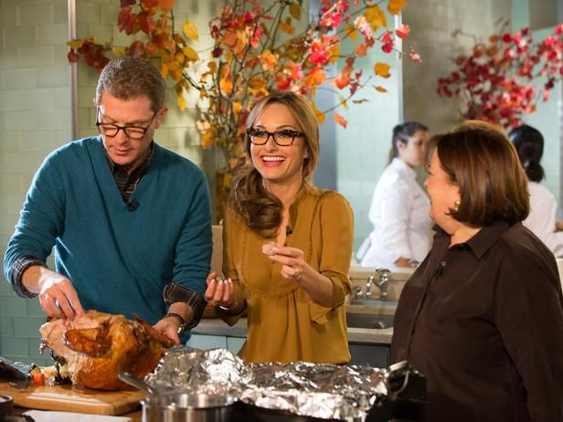 We're live blogging the show on FN Dish with behind-the-scenes photos and more. http://blog.foodnetwork.com/fn-dish/2013/11/thanksgiving-live-behind-the-scenes/