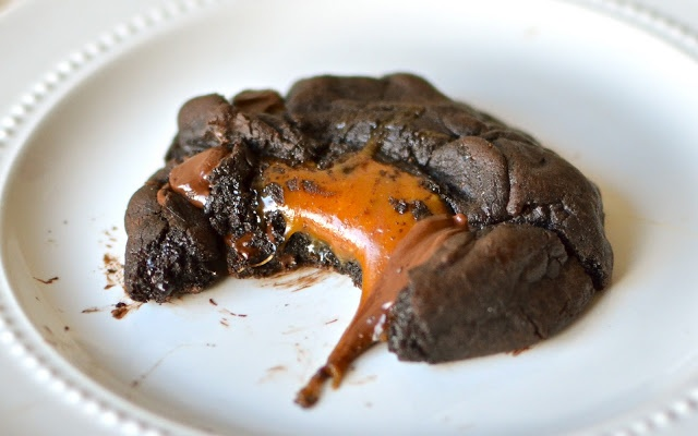 Yammies Noshery: Caramel Stuffed Double Chocolate Chunk Cookies