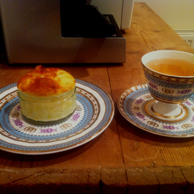 Lemon pudding and apple & ginger tea | E.A.T | Pinterest