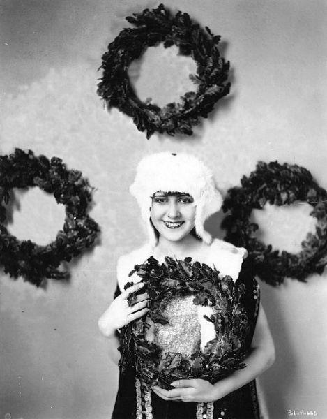 Christmas wreaths, c. 1920's. S)