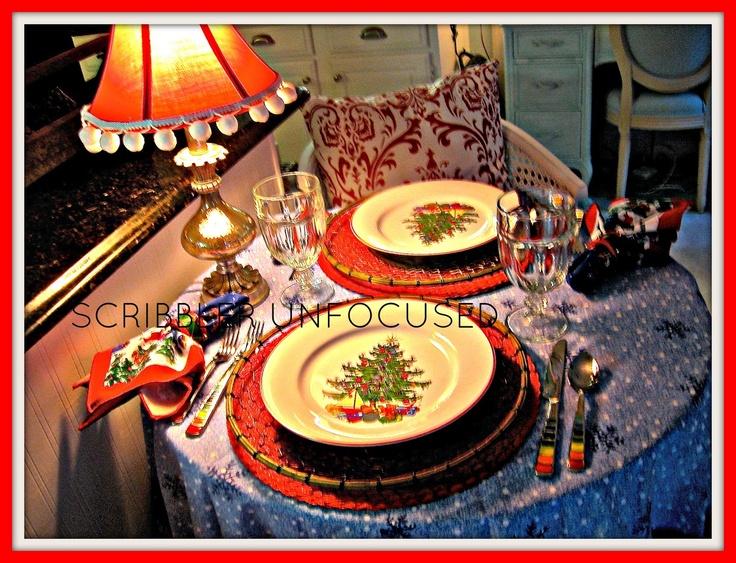 SCRIBBLER UNFOCUSED: A SNOWMAN CHRISTMAS TABLE