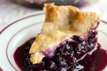 Summer Recipe: Whole Wheat Plum Crumble Pie Recipes from The Kitchn ...