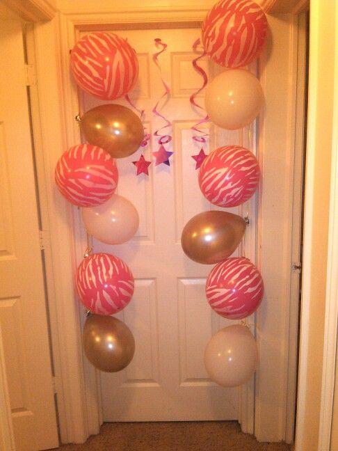 Cute birthday door decoration randoms pinterest for Idea door yw