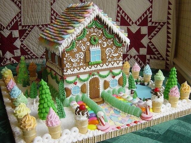 Beautiful gingerbread houses pinterest for Gingerbread house inspiration