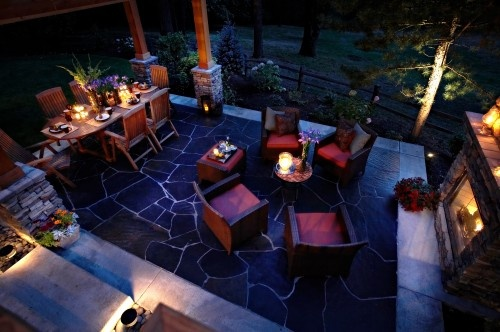 This is my we're-hosting-the-dinner-party patio.