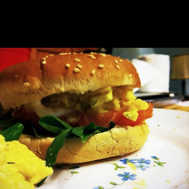 Salmon & scrambled eggs | Burgers / Food | Pinterest
