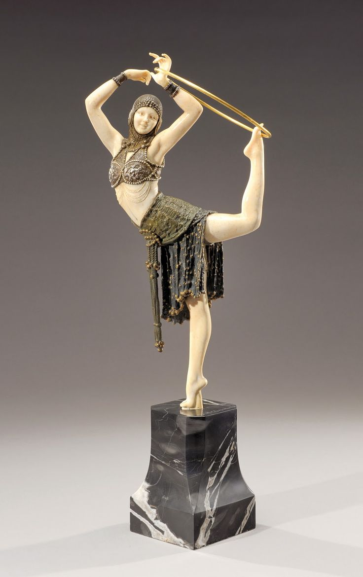 This is a stunning DH #Chiparus art deco bronze and ivory figure.
