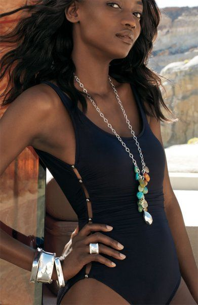 Oluchi-Onweagba-sexy-dark-skin-black-model-nordstrom.jpg (391×600)