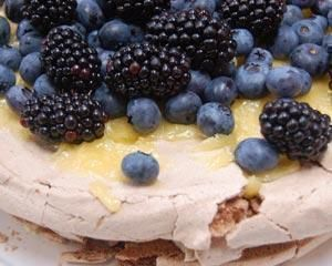Triple layer pavlova with lemon curd and berries | Recipe