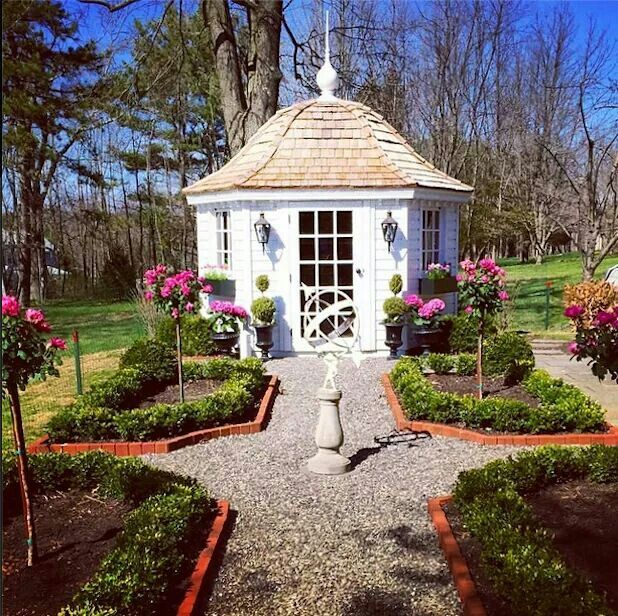 Beautiful garden shed indoor plants outdoor flowers for Pretty garden sheds