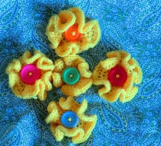 Amigurumi Barmy: Button flower pattern Crochet flowers ...