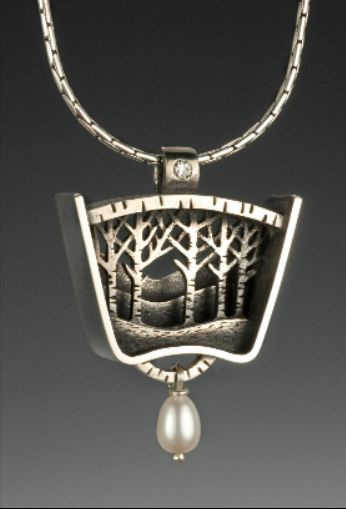 Necklace |  Suzanne Williams - not the kind of necklace I'd wear, but it's still very pretty