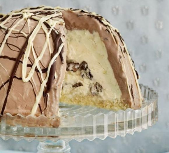 Homemade Creole Cream Cheese & Pecan Praline Ice Cream Cake!