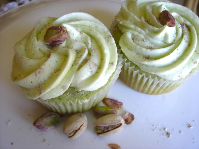 Pistachio cupcakes | Awesome household hints I can't everbremember wh ...