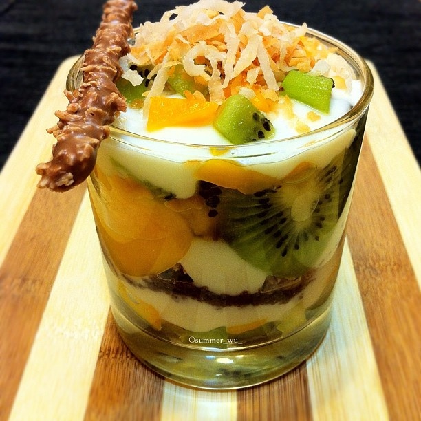 wontons shrimp wontons crispy wontons chocolate mango kiwi wontons