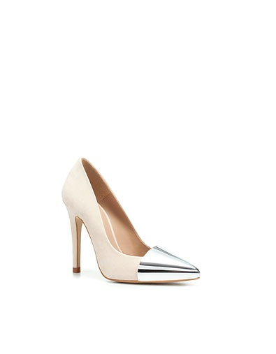 COURT SHOE WITH POINTED METAL TOE - Shoes - Woman - ZARA United Kingdom