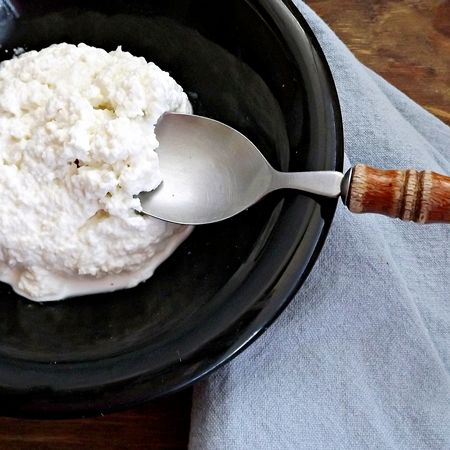 Quick and Easy Homemade Cottage Cheese ~ Skim milk, white vinegar ...