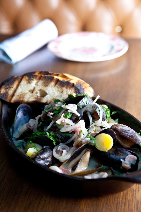 BLACK MUSSELS in a fennel-bacon broth with grilled bread #mussels # ...