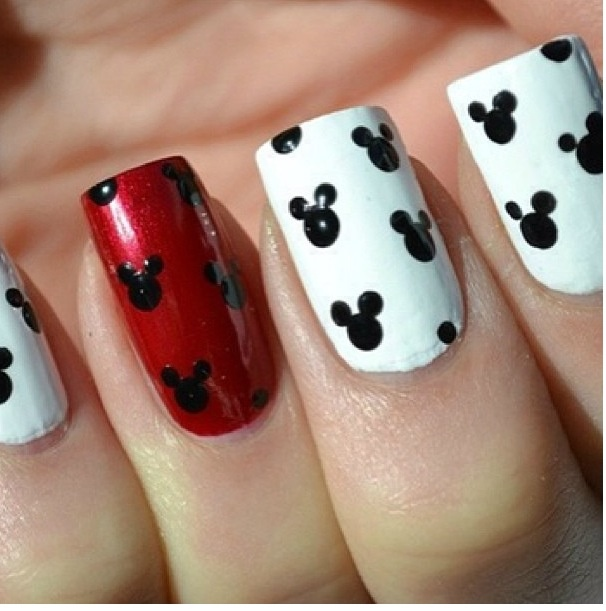Nail Design Mickey Mouse: Mickey mouse nail designs images.