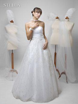 Brautkleid mit Strasssteinen  Wedding dresses brautkleider wedding g ...