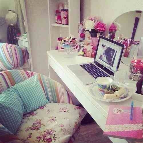 Girly bedrooms room decorations pinterest for Bedroom designs girly