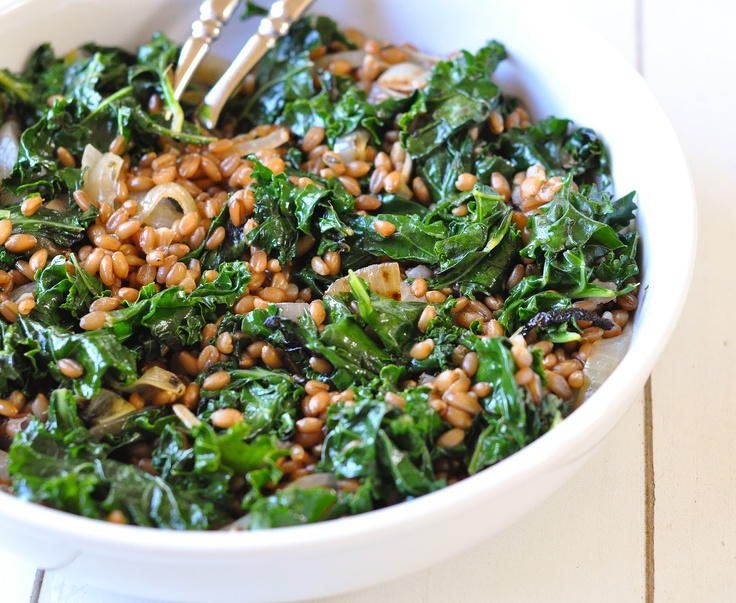 wheat berries with charred onions and kale | Marin Mama Cooks @niall m
