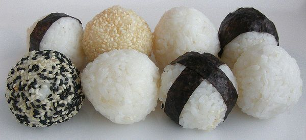Temarizushi (Ball-shaped hand formed sushi)