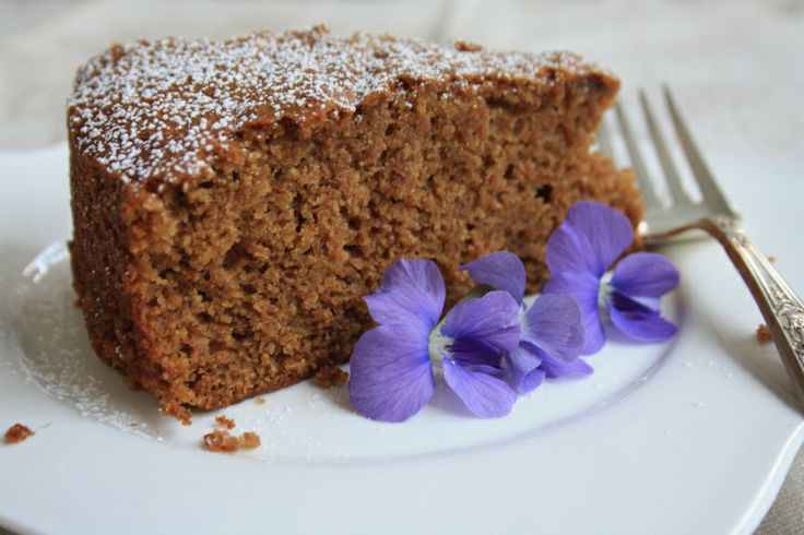 Applesauce spice cake with molasses - quick, easy, moist and delicious ...