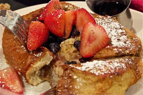 banana-stuffed french toast | comfortably numb | Pinterest